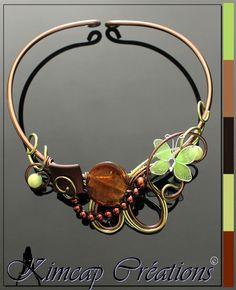 KM300 Collier aluminium marron et vert anis papillon : Collier par kimcap-creations
