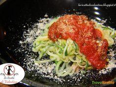 Spaghetti di zucchine al pomodoro e basilico con parmigiano di nocciole e mandorle  #ricette #food #recipes