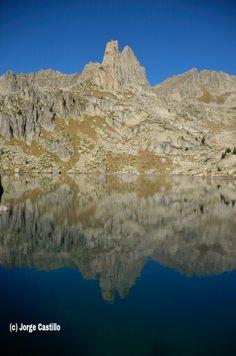 Aguja de les Amitges, Parque Nacional de Aiguestortes y Sant Maurici. Pirineos de Lleida