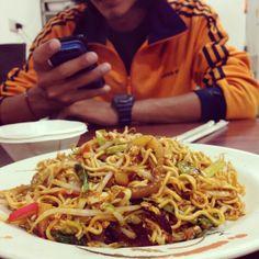 你吃過印尼的炒泡麵嗎 | #恆春 #墾丁大街 #印尼炒麵 $70