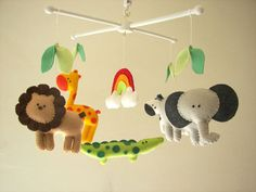 He encontrado este interesante anuncio de Etsy en https://www.etsy.com/es/listing/175631466/baby-crib-mobile-safari-mobile-animal