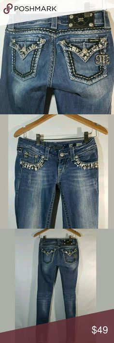 Miss Me Jeans Women's Size 24 x 33 Skinny Stretch Miss Me Jeans Women's Size 24 x 33 Skinny Stretch Rhinestones Buckle Blue  Excellent used condition.   98% Cotton 2% Spandex.   LB Miss Me Jeans Skinny