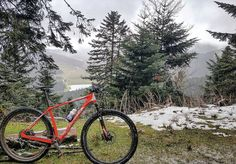 C'est vraiment le printemps ?  #iamspecialized #specialized #teamkitspecialized #firsteam64 #mtb #bikeporn #cycling #bike #xc #training #nopainnogain #snow #winter #spring #mountains #landscape #lake #Payolle #Tarbes #Pyrenees #France by costevincent
