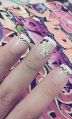 flowers everywhere #nailart #nails #fingernails