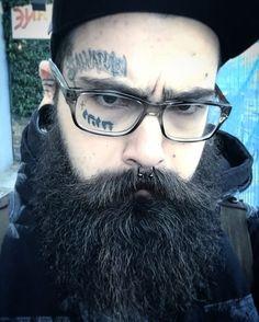 #facetattoo #bodymods #plugs #tunels #london #camden #jhwh #tattooedchristian #beard #bearded Why so angry ?