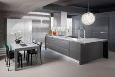 Moderni, harmaa keittiö    modern gray kitchen