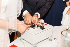 Geldgeschenke originell verpacken: 11 kreative Ideen Wedding Gifts, Cards, Ferrero Rocher, Dessert, Gift Ideas, Humor, Malta, Diy Crafts Home, Diy Presents