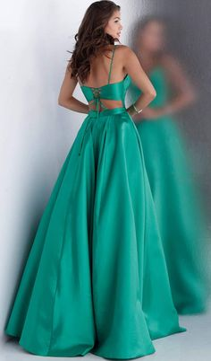 Classy Prom Dresses, Deb Dresses, Affordable Prom Dresses, Cute Prom Dresses, Prom Outfits, Ball Gown Dresses, Mode Outfits, Casual Outfits, Fitted Bodice