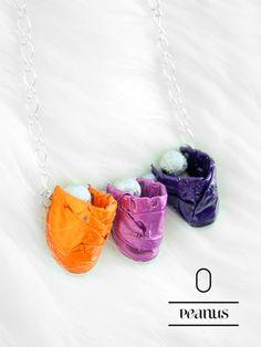 Ketten mittellang - Peanuts-Halskette in orange-lila - ein Designerstück von fanori bei DaWanda
