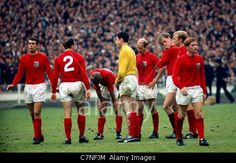 30/7/1966 Football World Cup Final. England v West Germany. The England team, Alan Ball far right, take a break at Half Time Stock Photo