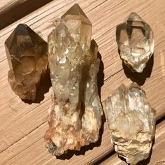 UPDATED: Real Citrine vs. Fake Citrine | How to Tell the Difference ** SHOW NOTES Diy Crystals, Crystals Minerals, Natural Crystals, Crystals And Gemstones, Stones And Crystals, Gem Stones, Citrine Crystal, Crystal Grid, Fake Stone