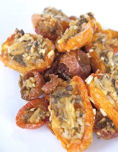 Oven Dried Tomatoes / @DJ Foodie / DJFoodie.com