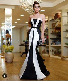 Award Show Dresses, Gala Dresses, Tulle Dress, Strapless Dress Formal, Dress Up, Types Of Dresses, Nice Dresses, Formal Dresses, White Evening Gowns