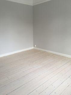 php 1 920 × 2 560 pixlar Pine Wood Flooring, Refinishing Hardwood Floors, Porch Flooring, Living Room Flooring, Timber Flooring, Diy Flooring, Living Room Furniture Layout, Living Room Designs, Room Interior