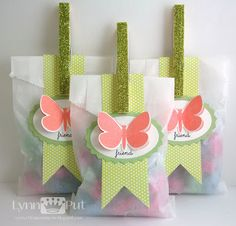 ahhh, I love glassine bags! Butterfly Gifts, Butterfly Party, Butterfly Birthday, Pretty Packaging, Gift Packaging, Diy Cadeau, Bag Toppers, Paper Crafts, Diy Crafts