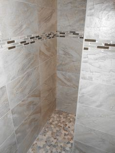 Vencil Homes   Bathroom #3   Master Bathroom Shower   12x24 Tiles Installed  Horizontally With