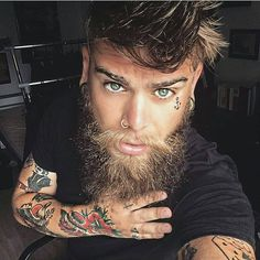 55 Beard Tattoo To Make You Look Masculine - Et Tattoo, Beard Tattoo, Tattoo Man, Great Beards, Awesome Beards, Beard Styles For Men, Hair And Beard Styles, Moustache, Tatoo