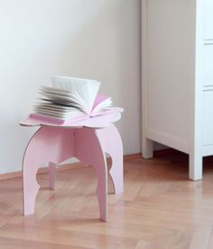 Sweet Pinkey table inspired by book Slečny - Misses made by fashion designer Anna Marešová IV