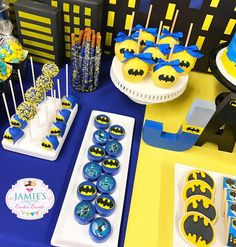 Batman Birthday Party Ideas - Batman Party - Ideas of Batman Party - Batman Birthday Party Ideas TheIcedSugarCooki Jamies Cake Pops And Creative Events Disney Cars Birthday, Batman Birthday, Superhero Birthday Party, Boy Birthday Parties, 4th Birthday, Batman Cake Pops, Batman Cookies, Batman Party Decorations, Batman Party Supplies