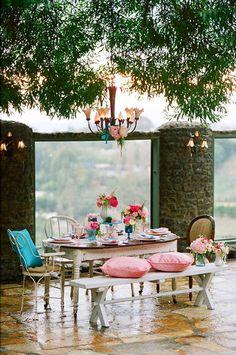 Outdoor dinning. #Picnic #Style #Romantic #Love #Patio