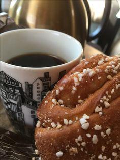 Korvapuusti & kahvi