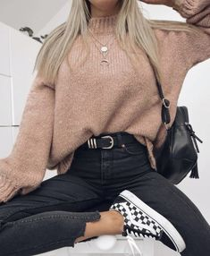 15 Trendy Autumn Street Style Outfits For This Year - fall outfits simple denim outfits fall fashion outfits, cute fall outfits fall outfits fall outfit ideas autumn outfits, 2019 fall fashion trends womens, fall fashion must haves, autumn outfits 2019 Cute Comfy Outfits, Casual Winter Outfits, Stylish Outfits, Outfit Winter, Autumn Casual, Autumn Outfits, Summer Outfits, Winter Dresses, Casual Summer