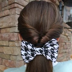 i do this to my hair all the time and my moms hair but without the bow with or without it looks cute :D One Hair, Hair Day, Pretty Hairstyles, Girl Hairstyles, Easy Hairstyles, Hairstyles Videos, Casual Hairstyles, African Hairstyles, Pelo Vintage