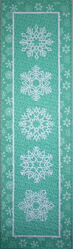 BuzzinBumble: 12 Days of Christmas in July Blog Hop: Frosted Flakes Quilted Runner & a Giveaway!