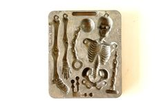 Vintage Fright Factory Skeleton Mold for Mattel Thingmaker (c.1966) by ThirdShift - make a unique garland using these vintage molds!  Creepy coolness!  #vintagehalloween #thirdshift3 #thirdshiftvintage