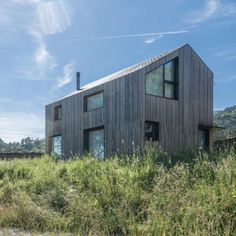 Image 4 of 5 from gallery of Natural Slate in Modular Housing | Cupa Pizarras. Montaña House- Natural Slate in Modular Housing