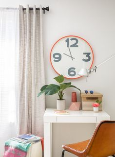 Get a super stylish dorm room - one that reflects your personal style - with ease using The Mine's Dorm in a Box. Check out all the different designs! Best Interior Paint, House Paint Interior, Home Interior Design, Dorm Design, Interior Design Colleges, Desk Inspiration, Small Space Solutions, Inside Home, Lowes Home Improvements