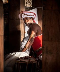 A man waiting to take part in Perahera