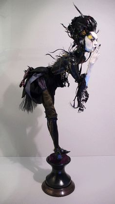 If you could make a doll our of Katie Faile's art this would be one of them.     http://vropars.free.fr/wasp_queen.gif