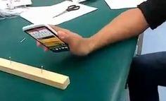Rusos usan un HTC One X como martillo para probar su dureza