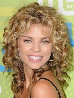 Natural cute medium length curly hairstyles