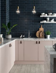 trendy kitchen backsplash with white cabinets subway cupboards Home Decor Kitchen, New Kitchen, Kitchen Design, Kitchen Grey, Blue Kitchen Tiles, Brass Kitchen, Pink Kitchen Walls, Pink Kitchen Cupboards, Kitchen Subway Tiles