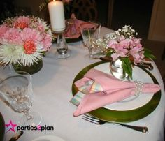 Tablescape: Mothers Day Dinner Tablesetting | Parties2Plan