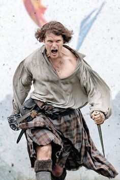 Sam Heughan as Jamie Fraser. Season 3 Outlander. Photo: Entertainment Weekly. I'm not perky : Photo