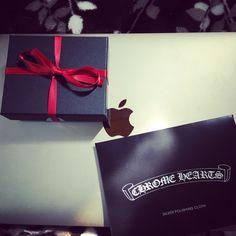 Chrome hearts.  #apple #mac