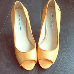 NWOT! Genuine snakeskin pumps, size 8.5 Gorgeous Burakuyan tangerine snakeskin pumps will absolutely take your outfit to the next level this summer! 4 inch heels with a half inch platform. Brand-new, never been worn, without tags.  EU size 38.5 (US size 8.5) Burakuyan Shoes Heels