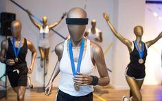 Les mannequins sport de la collection Runner au showroom de Cofrad | Cofrad mannequins