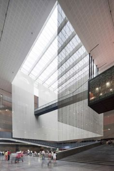 Guangdong Museum by Rocco Architects, great use of a center atrium with light diffusion screens