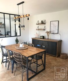 Dinning Room Tables, Metal Dining Table, Dining Room Design, Küchen Design, Design Salon, Interior Design, Home Budget, Dining Room Inspiration, Living Room Decor