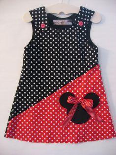 Rojo/negro vestido de Minnie Mouse por izziestyle en Etsy                                                                                                                                                                                 Más