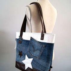 "DIY Tutorial: Making a ""WoW"" bag in reclaimed jeans for beginners Diy Sac, Denim Handbags, Jean Crafts, Diy Handbag, Simple Bags, Summer Bags, Refashion, Bag Making, Tote Bag"