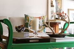 sweethomestyle:  Hurricane glass. Submitted by *fruitpunch.  Love the emerald