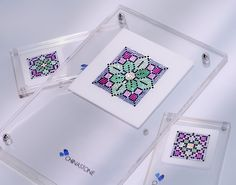 This rich and vivid floral pattern set was made primary in mixture of green and pink colors and contains 1,423 precision-cut natural gemstones, including 396 pcs of Tsavorite, 172 pcs of Pink Sapphire, 476 pcs of Black Sapphire, 336 pcs of Grey Sapphire and 43 pcs of Yellow Sapphire.    http://www.thechinastone.com/products/search-results/keywords-00105897-00112192-00113670-00118163-00119887-00121590-00121927/10/0