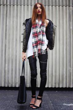 30 Outfits That'll Make You Want a Pair of Leather Pants for Fall 30 Outfits, Capsule Outfits, Fashion Outfits, Scarf Outfits, Fashion Ideas, Leather Trousers Outfit, Trouser Outfits, Leather Jacket, Fall Winter Outfits