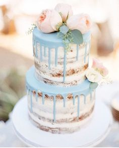 naked cake with blue details, wedding cake with mint, blush & blooms, decorated with flowers *** Hochzeitstorte mit blauen Details und Blumen