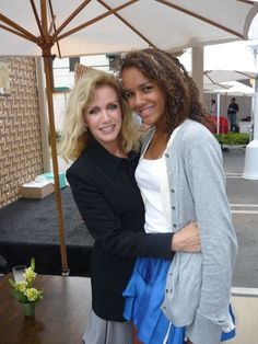 Donna Mills with her daughter Chloe in 2009